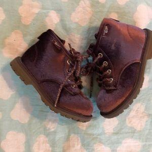 Osh Kosh boots